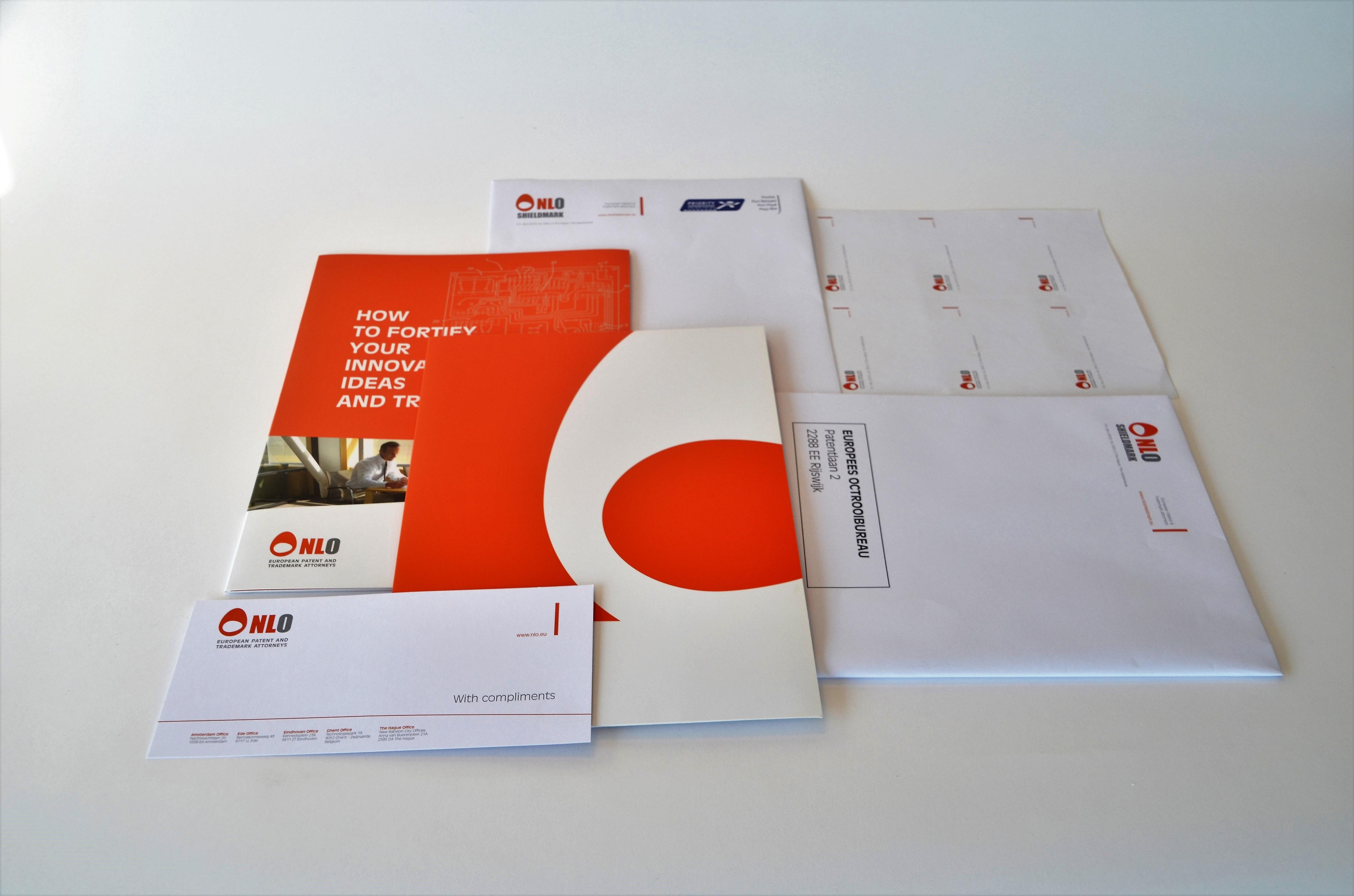 Impressed Print Sign Drukwerk Belettering En Hd Print Van Kwaliteit