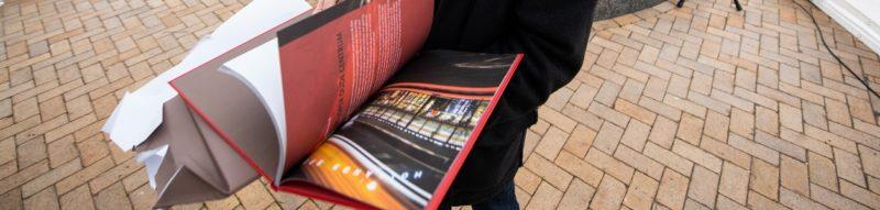 loper oude centrum boek opening spotlak kapitalen genaaid laminaat